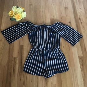 Forever 21 off the shoulder Romper size Small